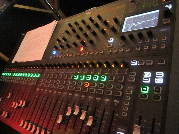 soundcraft si compact digital mixing console